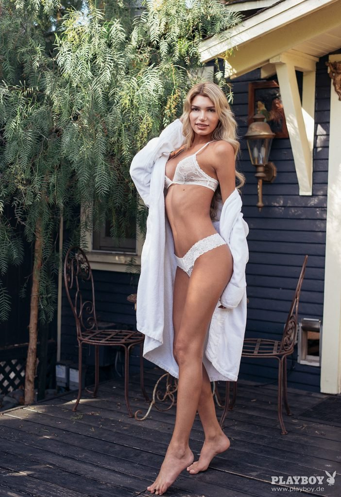 Giuliana Farfalla Nude (33 Photos)