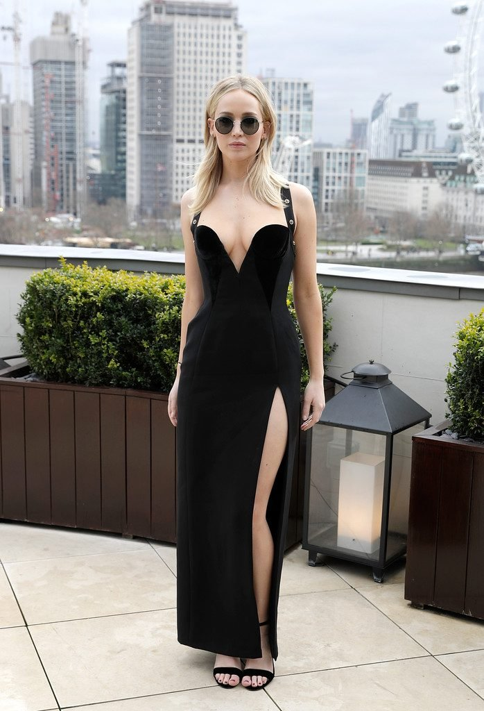 Jennifer Lawrence Braless (13 Photos)   #TheFappening