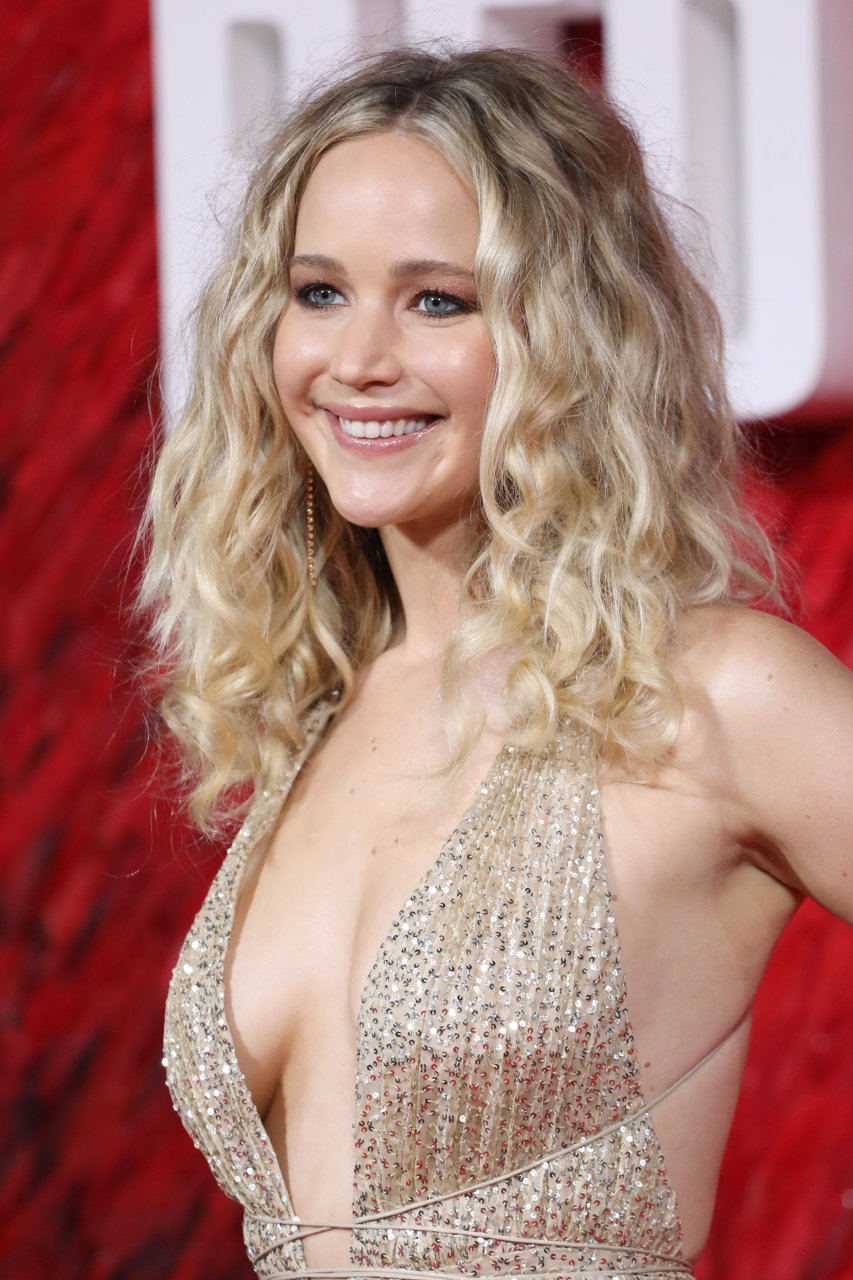 Jennifer Lawrence Braless (44 Photos)  #TheFappening
