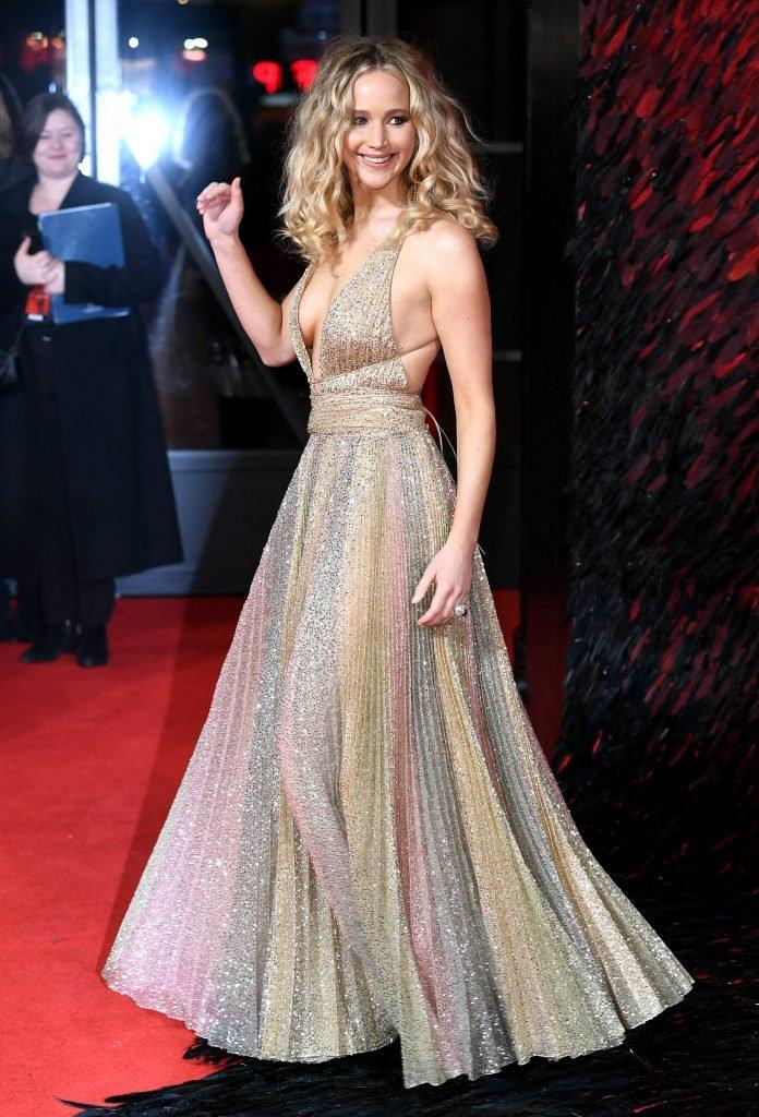 Jennifer Lawrence Braless (44 Photos)