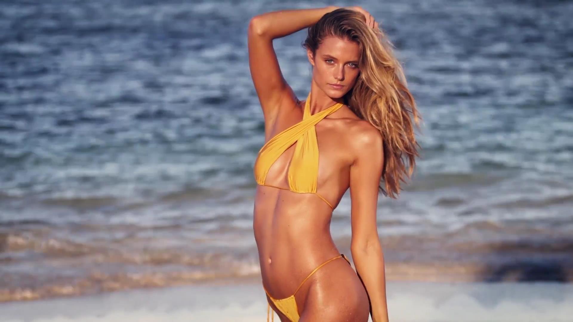 Video streaming model bikini