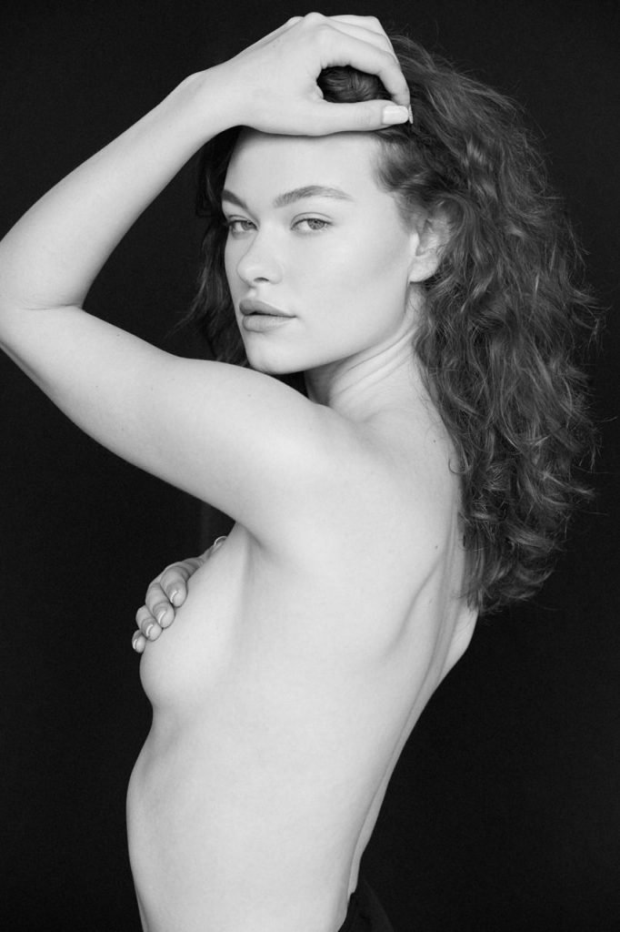 Lily Rose Cameron Nude & Sexy (21 Photos)