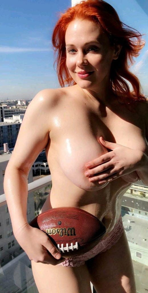 Maitland Ward Baxter Topless (18 Pics + Gif)