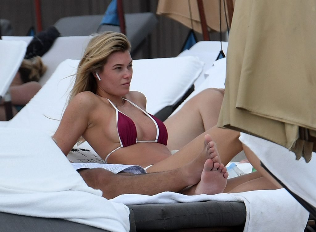 Samantha Hoopes Sexy (27 Photos)