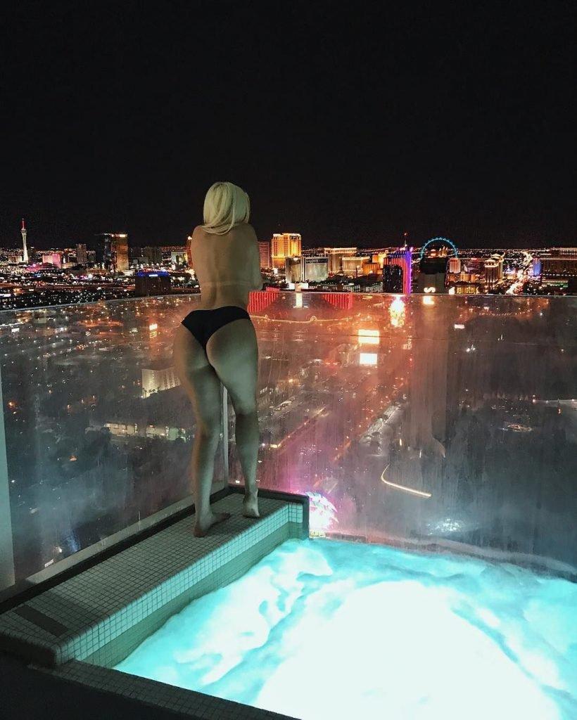 Tana Mongeau Nude & Sexy (56 Photos + Gifs & Video)