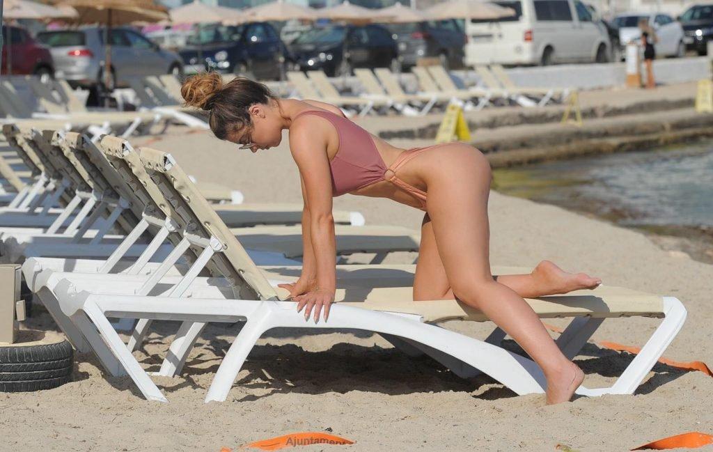 Abigail Clarke Sexy (9 Photos)