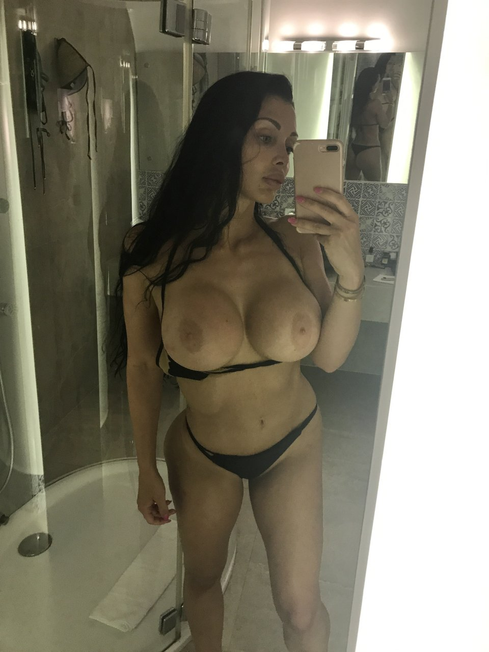 aletta ocean nude photos