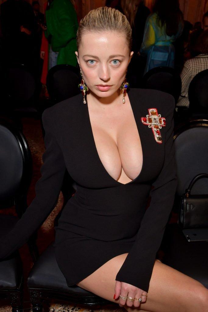 Caroline Vreeland Sexy (9 Photos + Video)