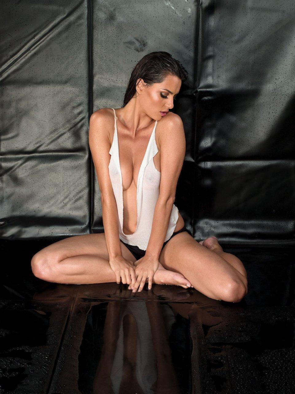 catrinel marlon nude