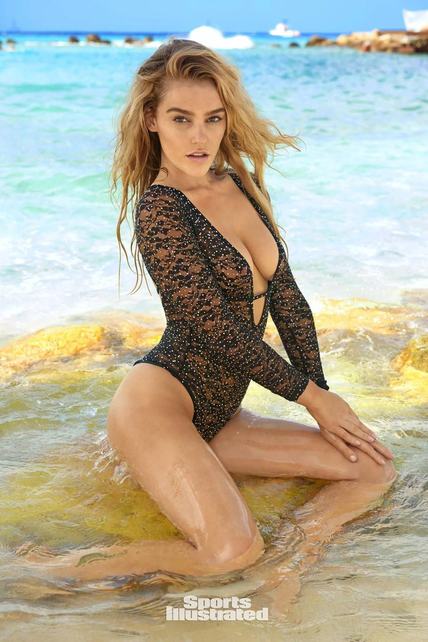 Nina Agdal Nude in the 2014 Sports Illustrated Swimsuit