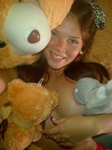 Jennifer Aboul Nude (28 Photos)