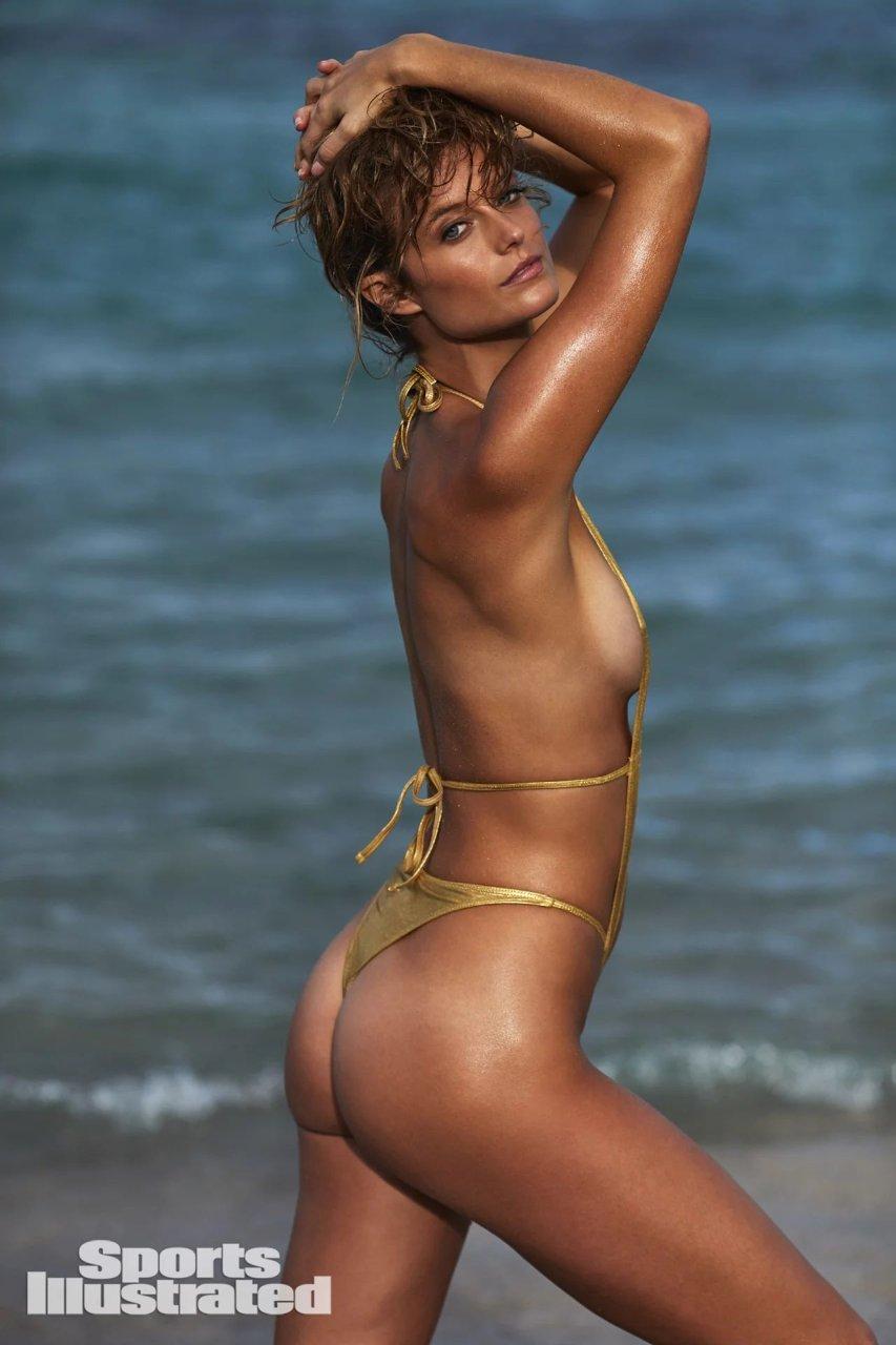 naked swim models