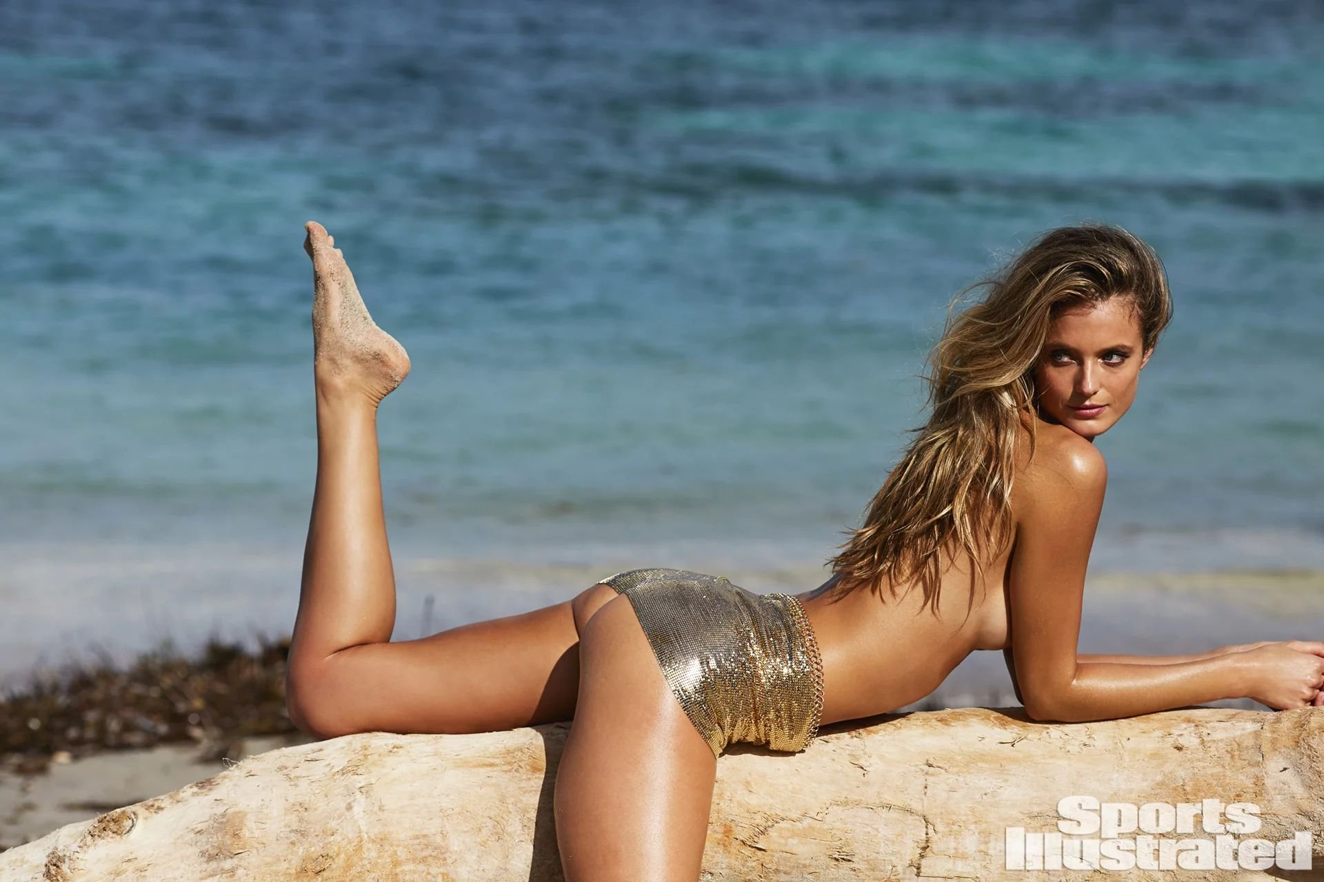 Kate bock looks sexy and hot in the sports illustrated swimwear