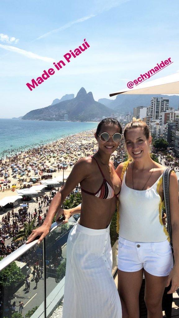 Lais Ribeiro Sexy (8 Photos + Gifs)