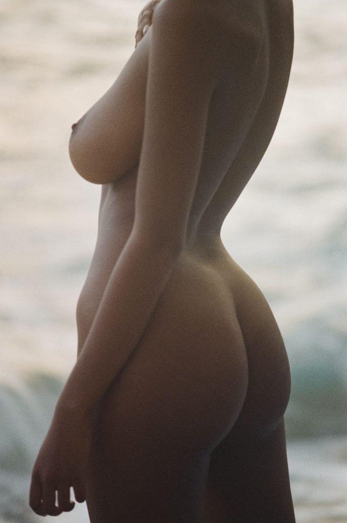 Nereyda Bird Nude & Sexy (28 Photos)