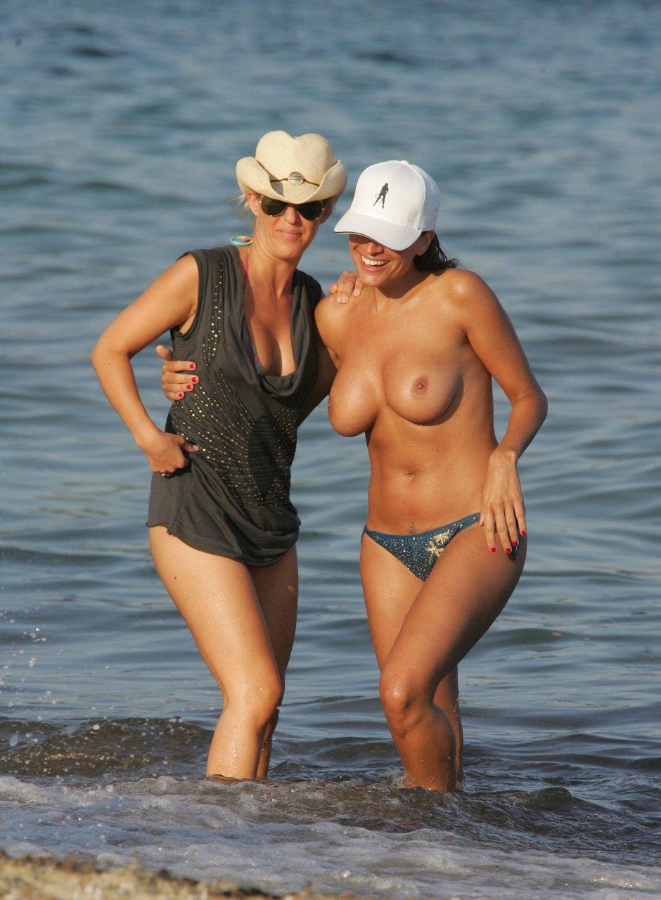 loos pics Rebecca nude