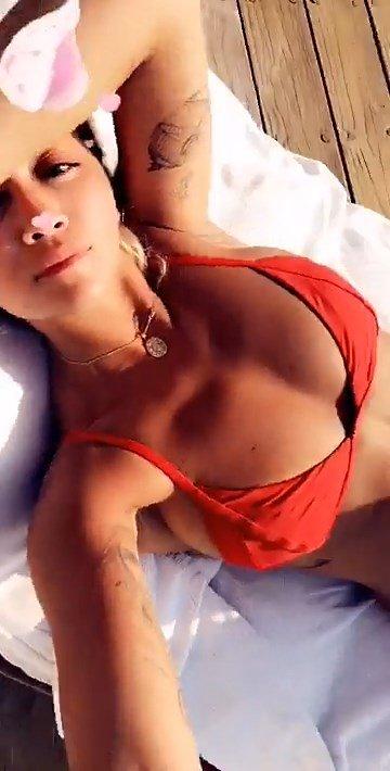 Rita Ora Sexy (18 Pics + Gifs)