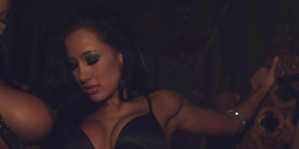 Tyga ft. Amia Miley – Make It Nasty (2011) 720p