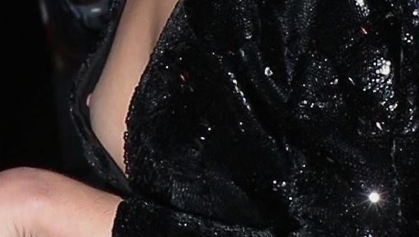 Sarah Hyland Nip Slip (9 Photos)