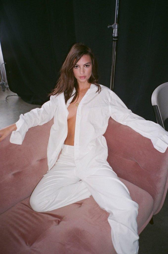 Emily Ratajkowski Nude & Sexy (8 Pics + Gif & Video)