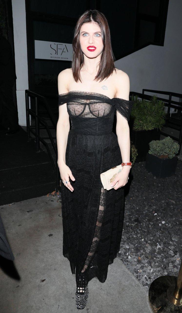 Alexandra Daddario Goes Braless (48 Photos + Gifs) | #