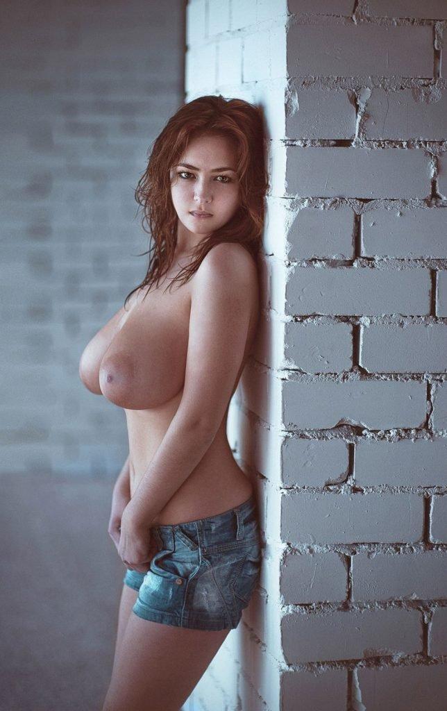 Albina Mul Topless (3 Pics)