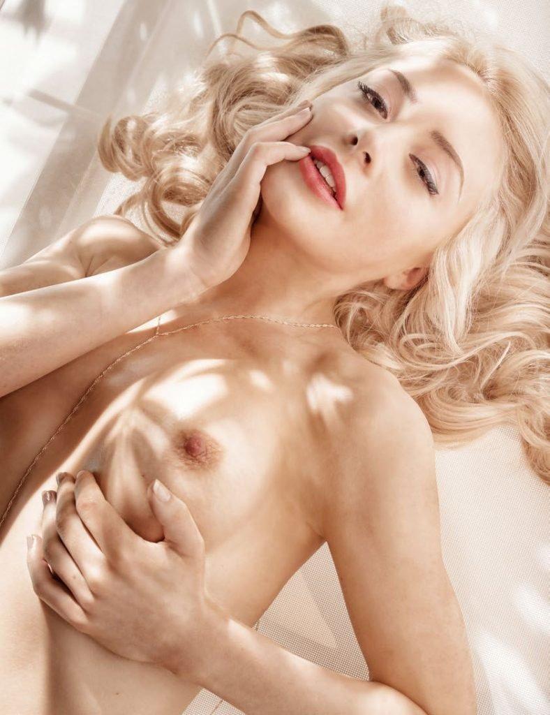 Tits Amber Rickard Nude Images