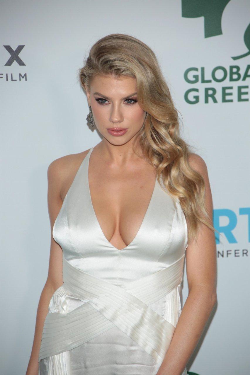 Charlotte McKinney Sexy (43 Photos)   #TheFappening