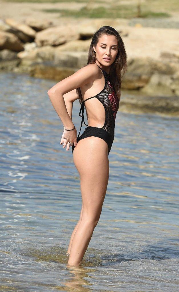 Chloe Goodman Sexy (29 Photos)