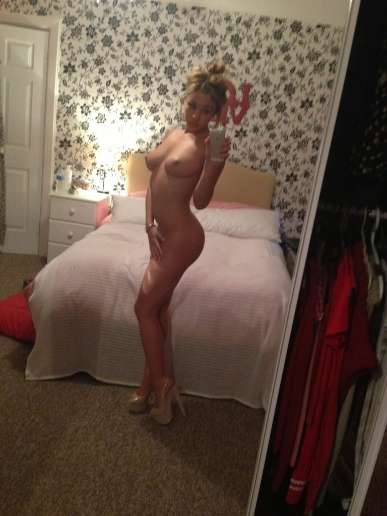 Courtnie Quinlan Nude (183 Photos)