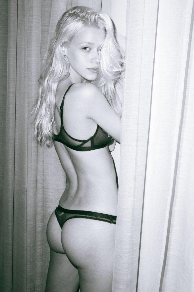 Cynda Mcelvana Sexy (17 Photos)