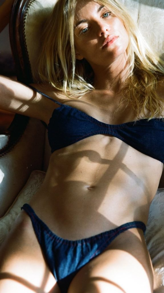 Elyse Taylor Nude & Sexy (37 Photos)