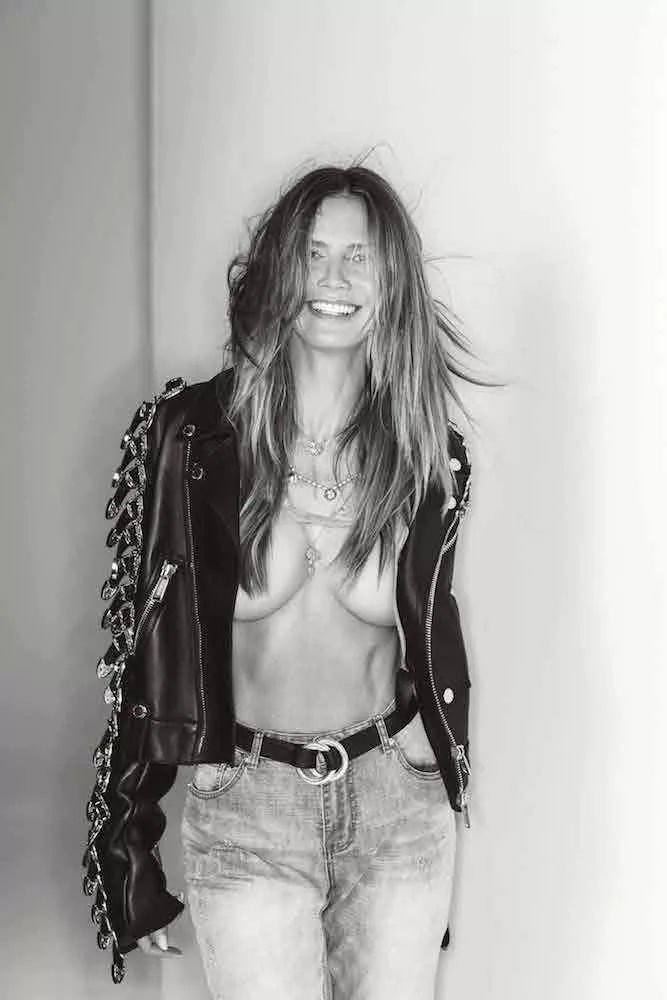 Heidi Klum Sexy & Topless (7 Photos)