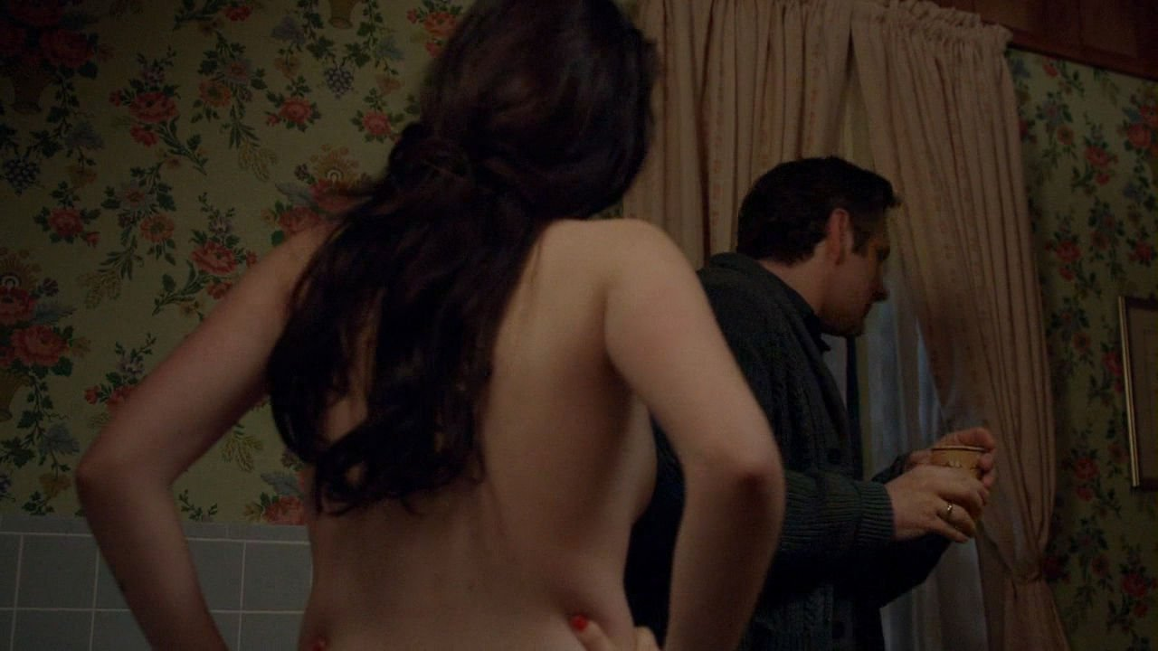 Topless Isabelle Fuhrman Nude Gif