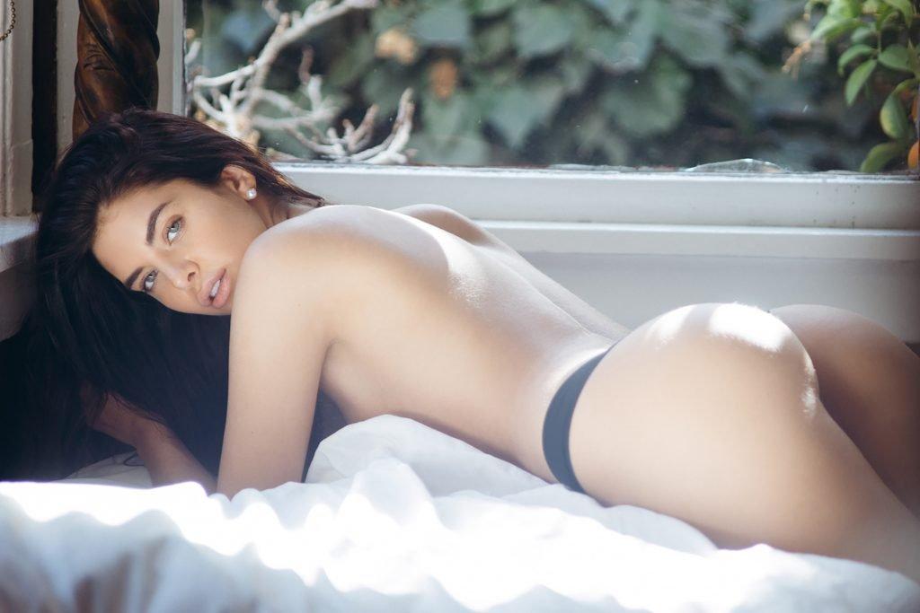 Jasmine Alleva Nude & Sexy (8 Photos)
