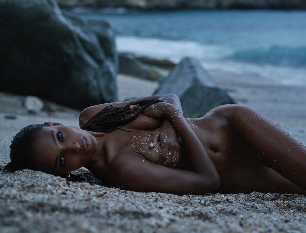 Jasmine Tookes Nude (2 Photos)