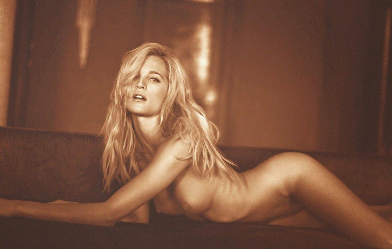 Nude liz Elizabeth Hurley