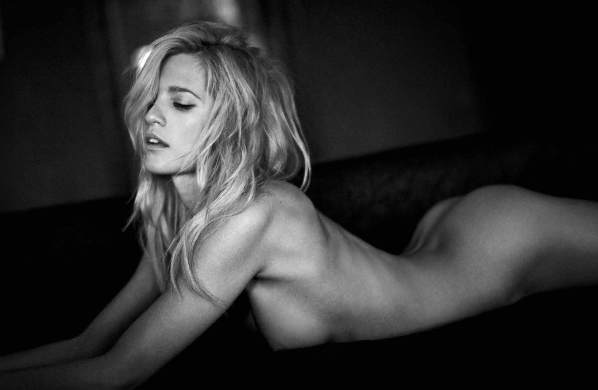 Cassie scerbo bikini pics