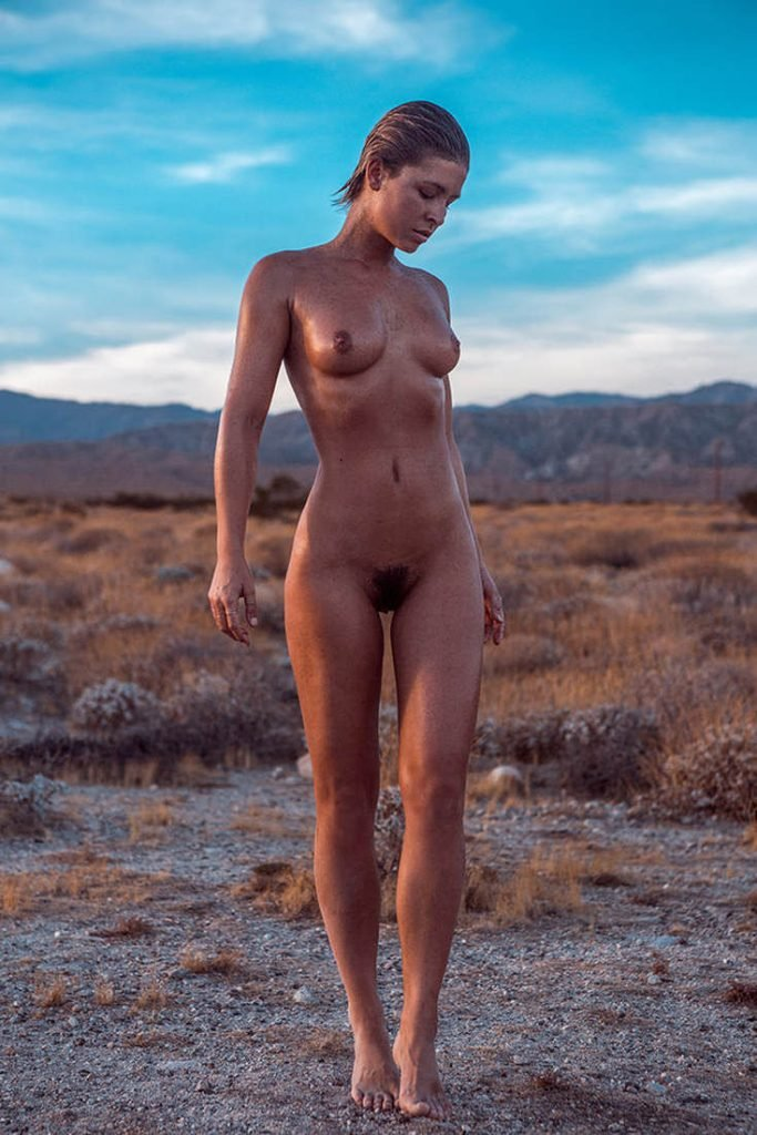 Marisa Papen Nude (13 Hot Photos)