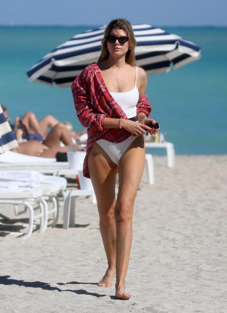 Maryna Linchuk Sexy (11 Photos)