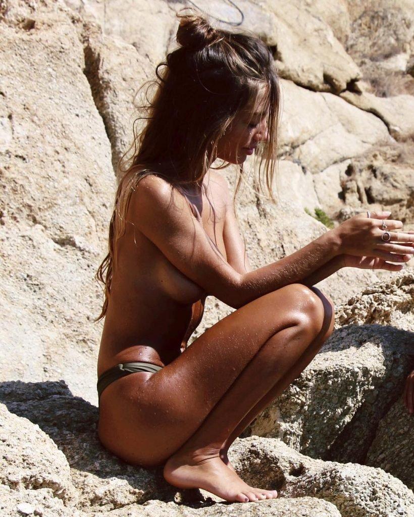 Mathilde Tantot Sexy (100 Photos)