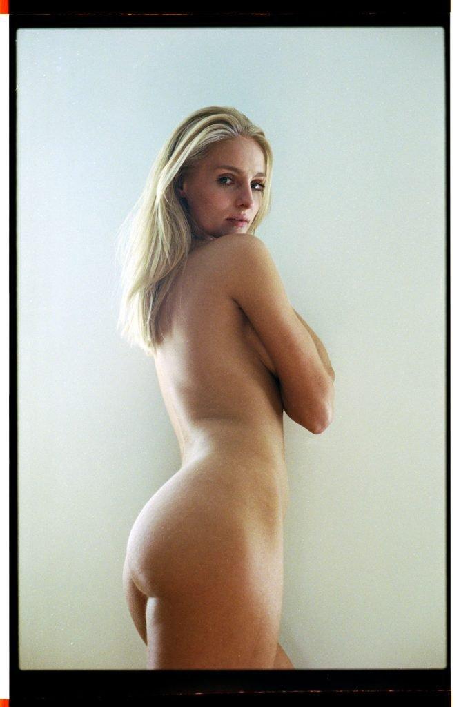 Natalia Uliasz Nude & Sexy (17 Photos)