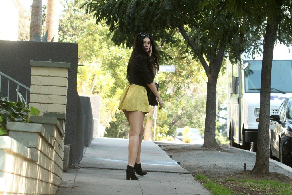 Natasha Blasick Upskirt (14 Photos)
