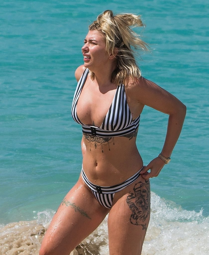 Olivia Buckland  nackt