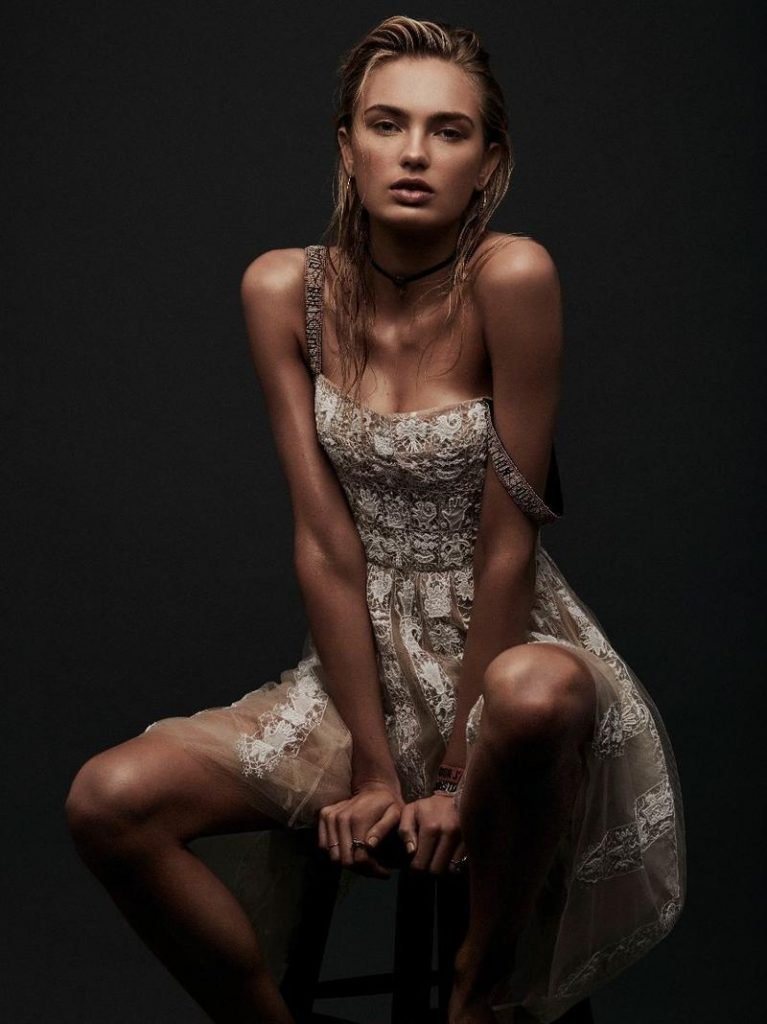 Romee Strijd Spreads Her Legs For The Greeks (8 Photos)