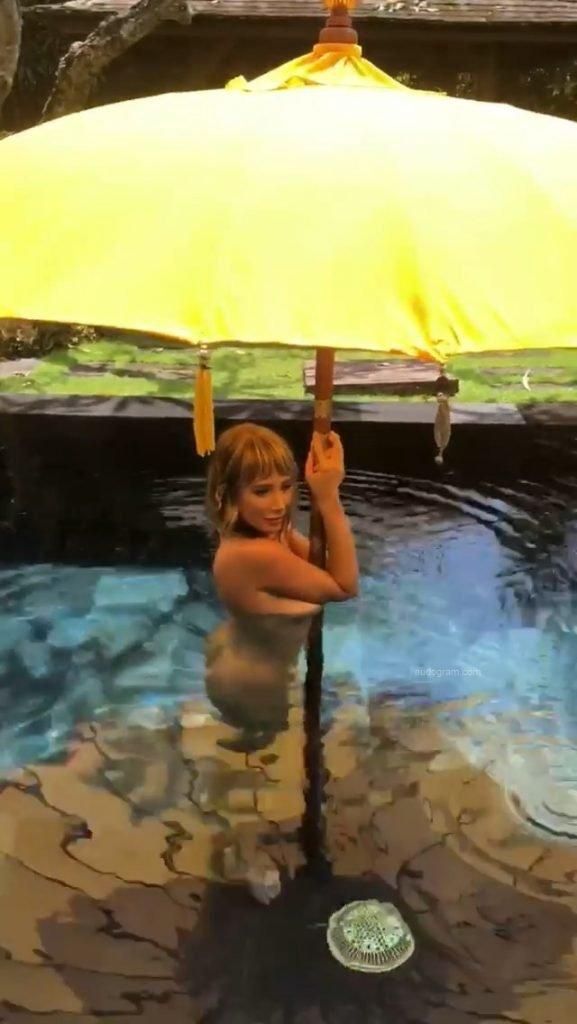 Sara Underwood Poses Naked (36 Pics + Gifs & Video)