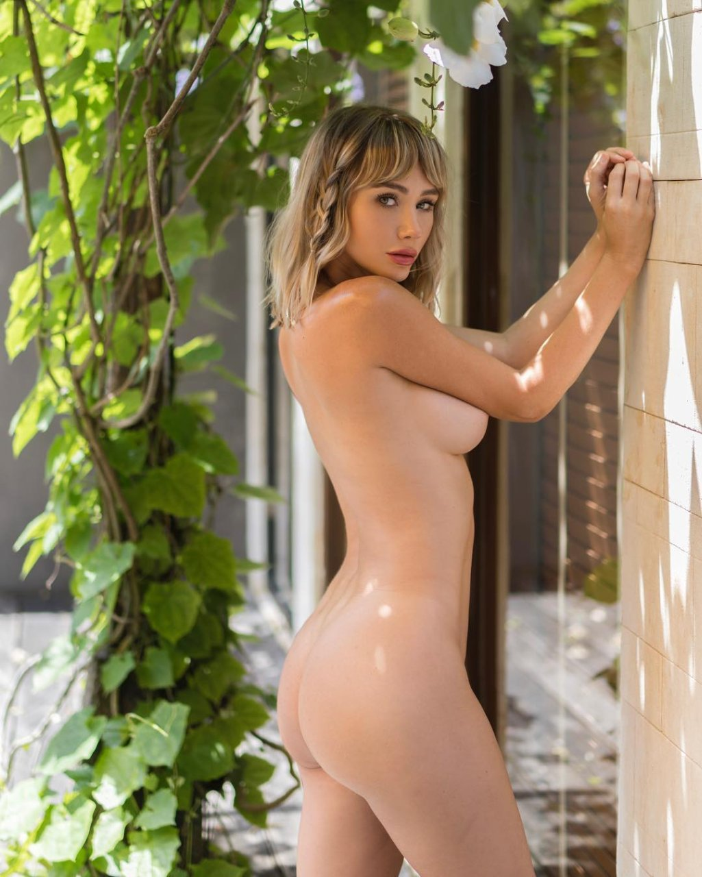 sara jean underwood naked pictures
