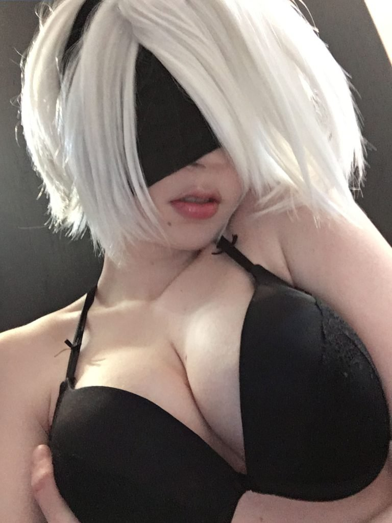 Watch Shinuki topless video
