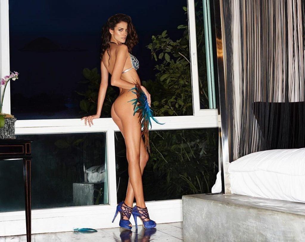 Sofia Resing Nude & Sexy (3 Photos)