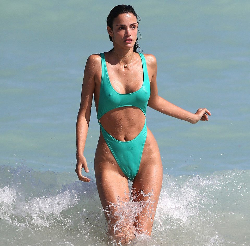 Sofia Resing Sexy (6 Photos)